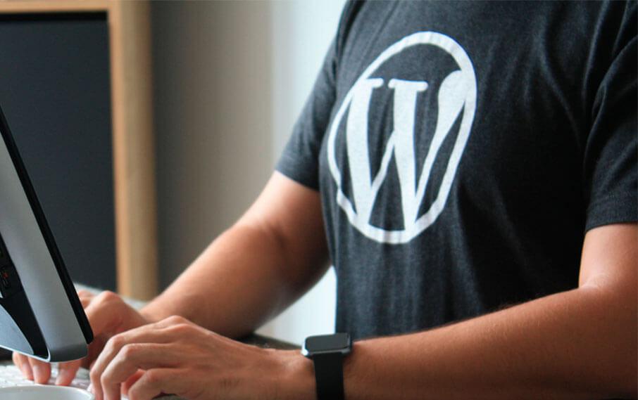 wordpress logo på t-shirts
